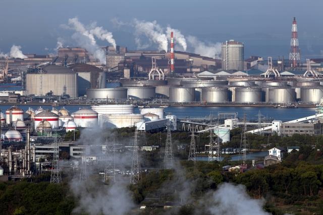 某 化学品製造工場